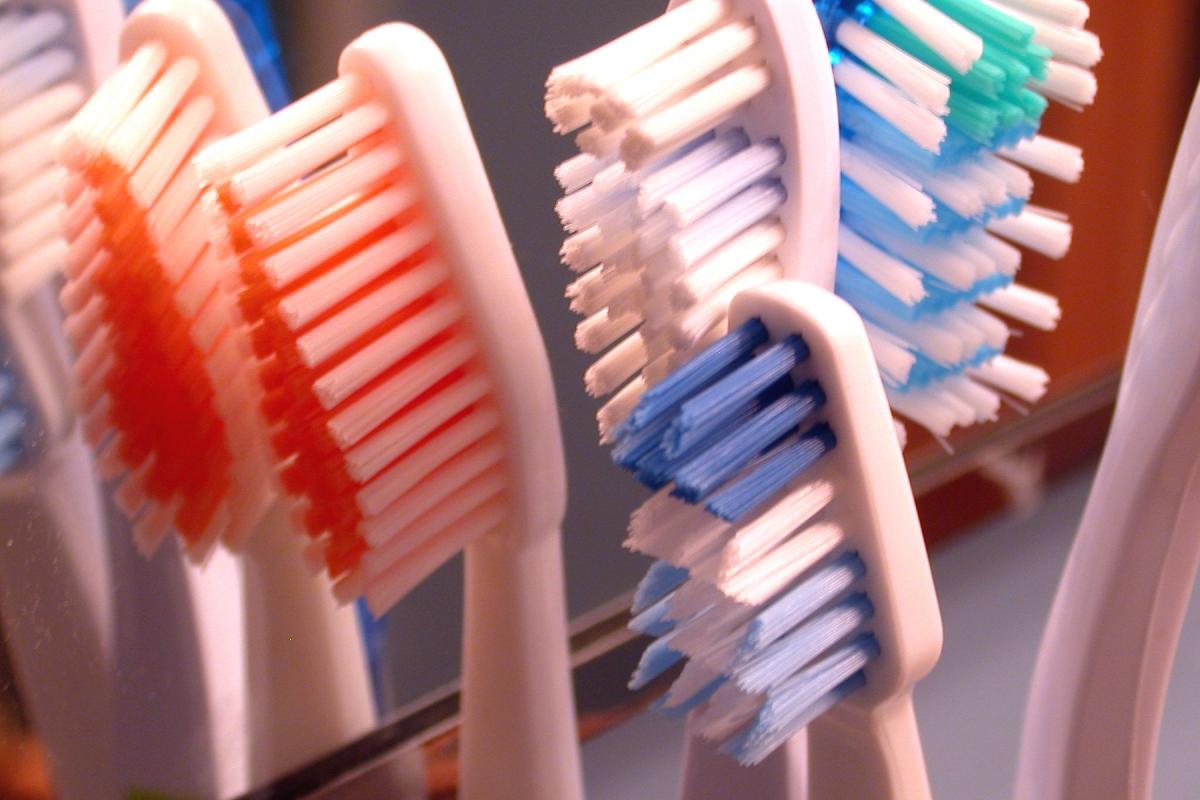 Går det att återvinna tandborsten i plast?