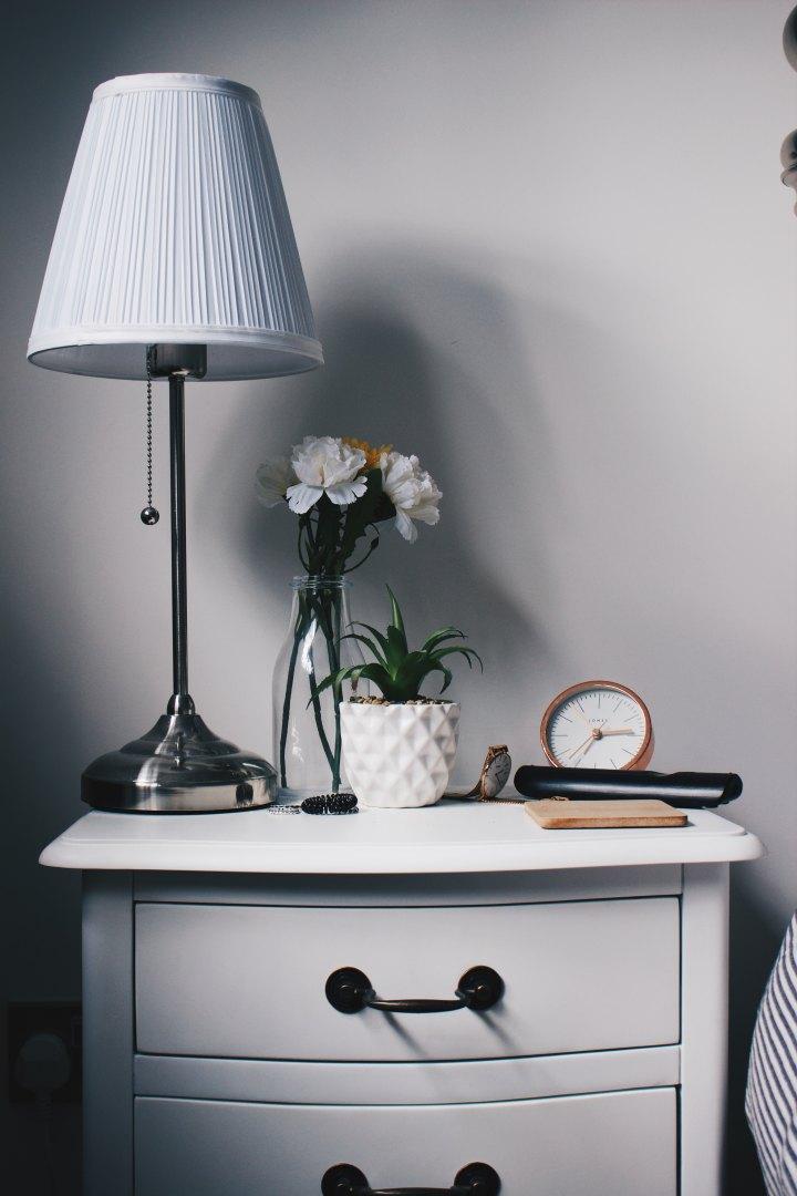 Rengöra begagnade möbler